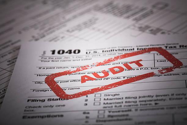 1040 tassa sul reddito di audit - ispezione contabile foto e immagini stock