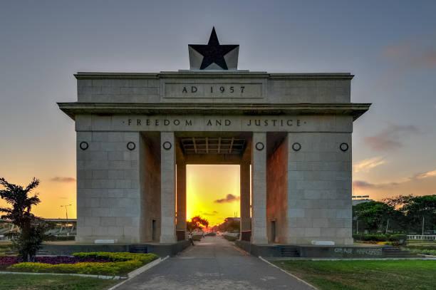 インディペンデンス・アーチ、アクラ、ガーナ - 記念建造物 ストックフォトと画像