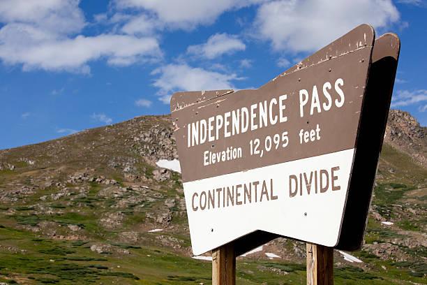 independence pass continental divide, colorado usa - independence day stok fotoğraflar ve resimler