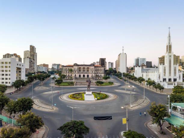 Unabhängigkeitsplatz mit Rathaus und Hauptkathedrale in Maputo, Mosambik – Foto