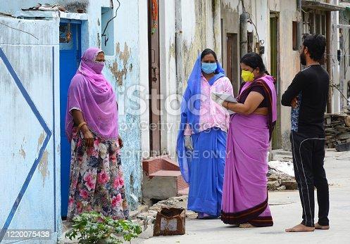 istock India: Door-to-door survey on COVID-19 1220075438