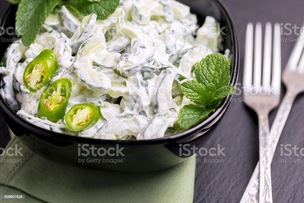 salsa de yogur pepino y cilantro