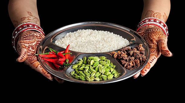 indische küche - handbemalte teller stock-fotos und bilder