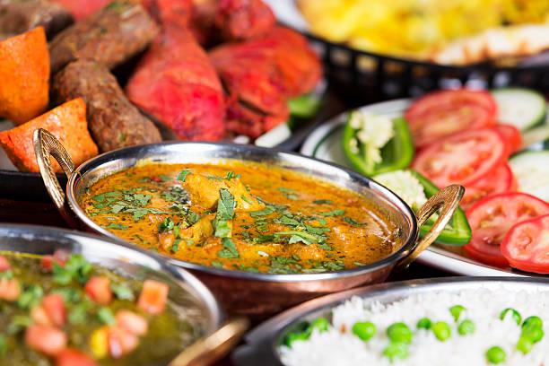 インド料理: 各種のお料理 - インド料理 ストックフォトと画像