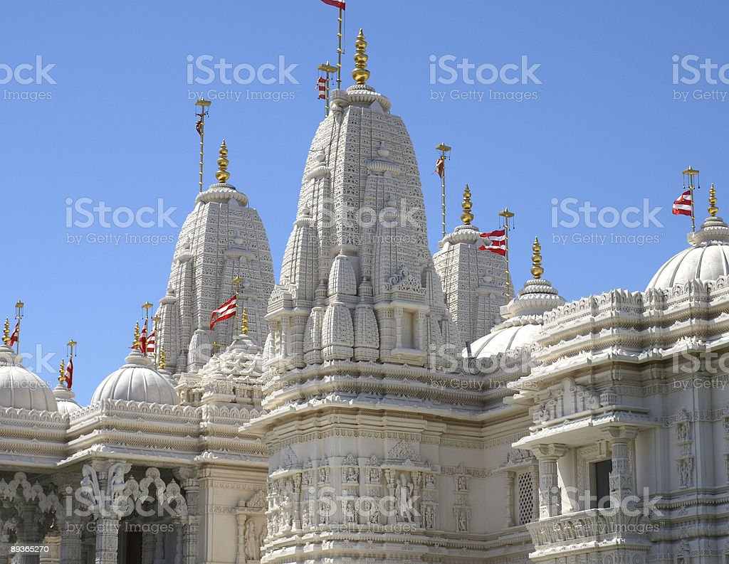 Indian Marble Temple with Cupola and Stone Carving. royalty free stockfoto