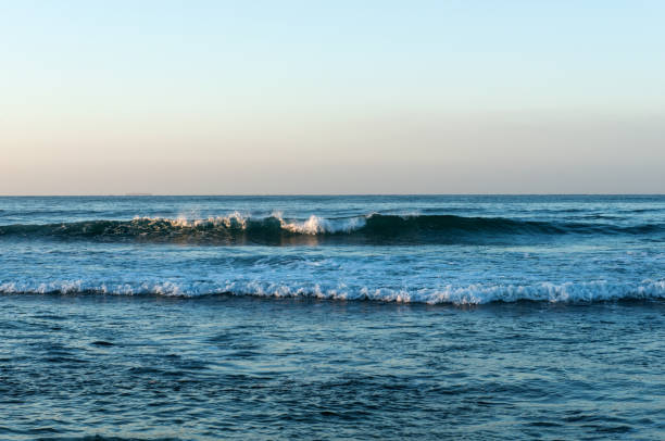 indian ocean in sri lanka - fishman imagens e fotografias de stock