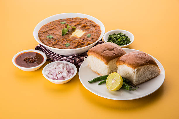 Indische würzigen schnell Essen Pavillon Bhaji mit Brot – Foto