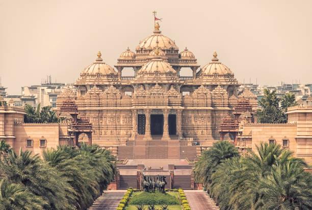 yeni delhi hint tapınağı - tapınak stok fotoğraflar ve resimler