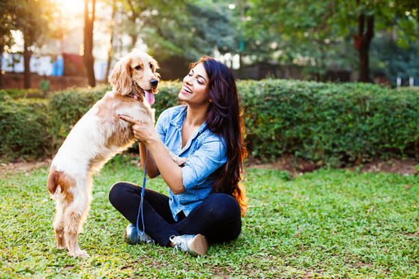 indian woman with her beloved pet - training imagens e fotografias de stock