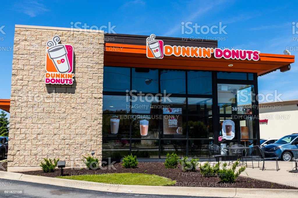 Indianapolis - Circa June 2017: Dunkin' Donuts Retail Location. Dunkin' is America's favorite every day, all-day stop for coffee and baked goods V stock photo