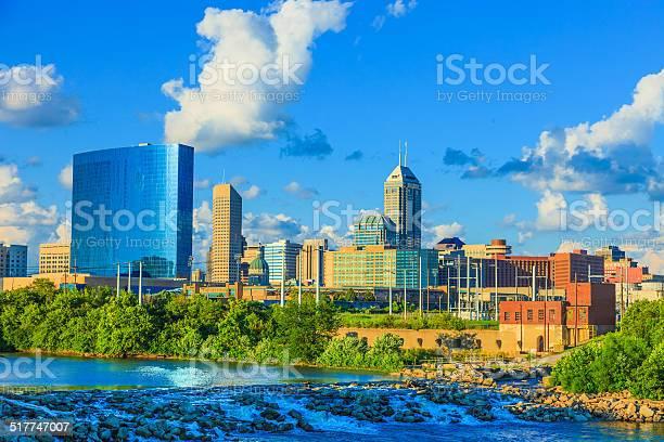 Indianapolis skyline indiana picture id517747007?b=1&k=6&m=517747007&s=612x612&h=fr4 pp72lzdyagmseoyrkm ermwnrxldrdhuxkxd0qc=