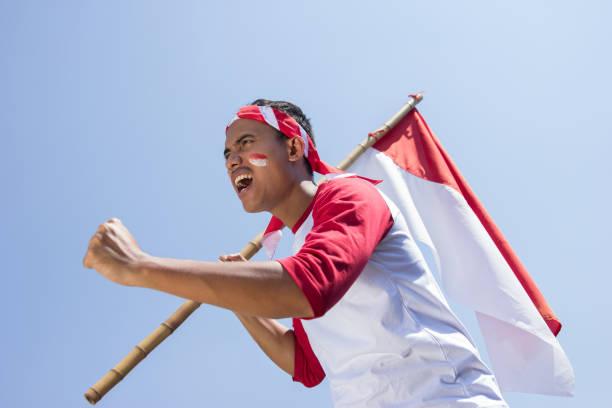 celebração do dia de independência da indonésia - bandeira da indonesia - fotografias e filmes do acervo