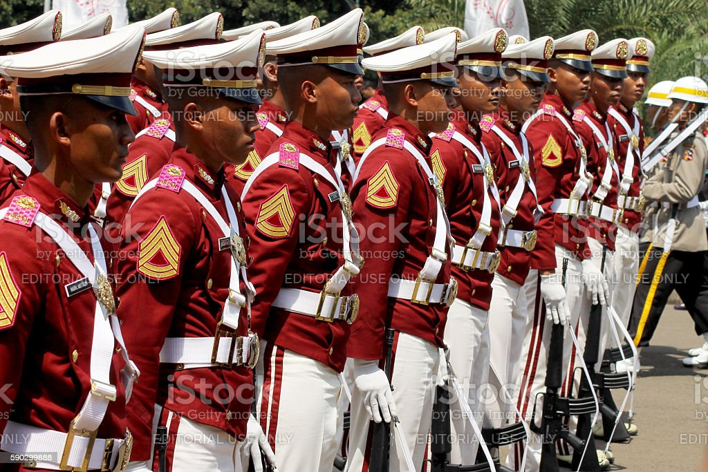 Indonesian Police Cadets Marching with Rifle Стоковые фото Стоковая фотография