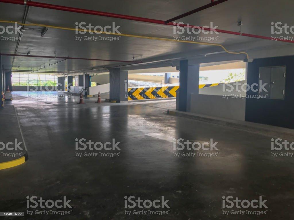 빈 차 실내 주차장, 진입로 건물 - 로열티 프리 0명 스톡 사진