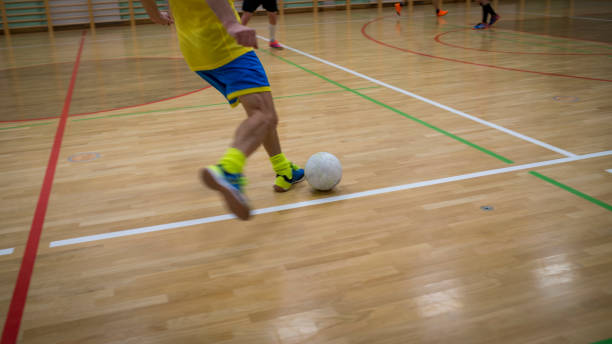 Hallenfußball in der Sporthalle – Foto
