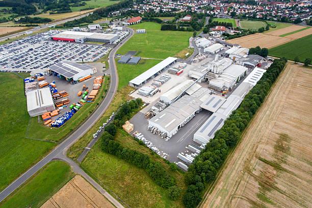 industrial area and factory, aerial view - industriegebied stockfoto's en -beelden