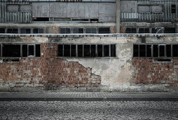 industrielle hintergrund - altbau stock-fotos und bilder