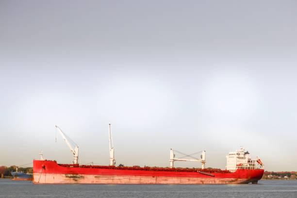bateau industriel - josianne toubeix photos et images de collection