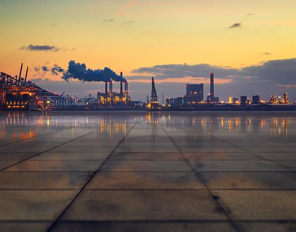 industrial concretescape - industriegebied stockfoto's en -beelden
