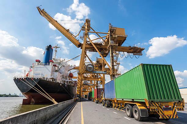 Industrial Container Cargo Fracht versenden mit Kran Arbeiten – Foto