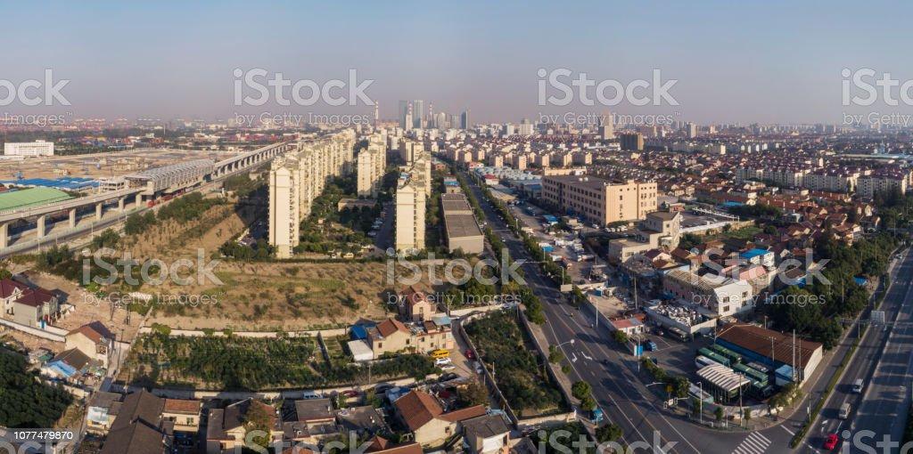 工業地区と住宅地区上海の浦東 - アジア大陸のストックフォトや画像を ...