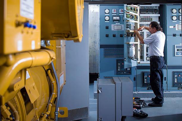 electricistas industriales - generadores fotografías e imágenes de stock