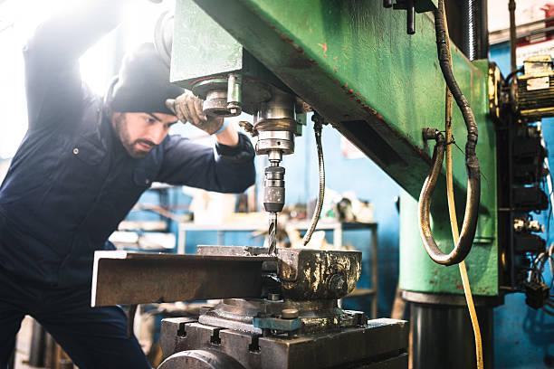 Ingénieur industriel à la machine-outil de musculation - Photo