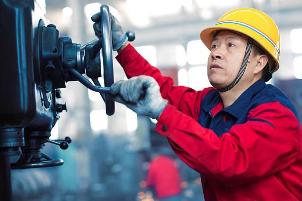 Industrial machinist Arbeiten auf vice Griffigkeit – Foto