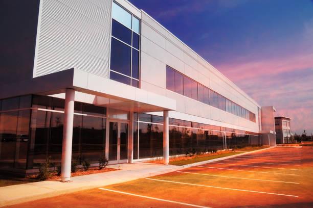 industrieel of commercieel vastgoed - industriegebied stockfoto's en -beelden