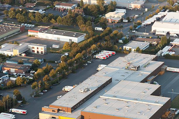 industrial park wesel-ost i in germany - industriegebied stockfoto's en -beelden