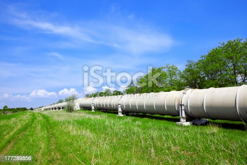 istock Industrial pipe with gas and oil 177289856