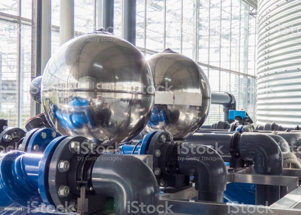 Industrierohre und Motor – Foto