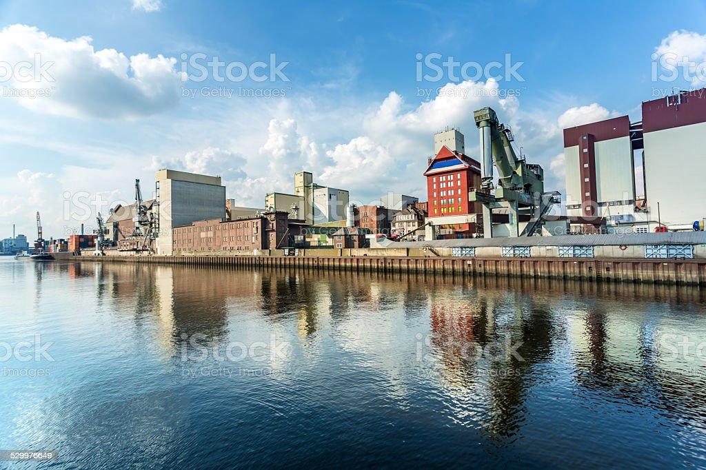 Industrial puerto en Bremen - foto de stock