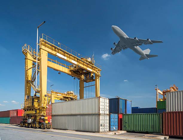 industrial port with containers in port - airport pickup stockfoto's en -beelden