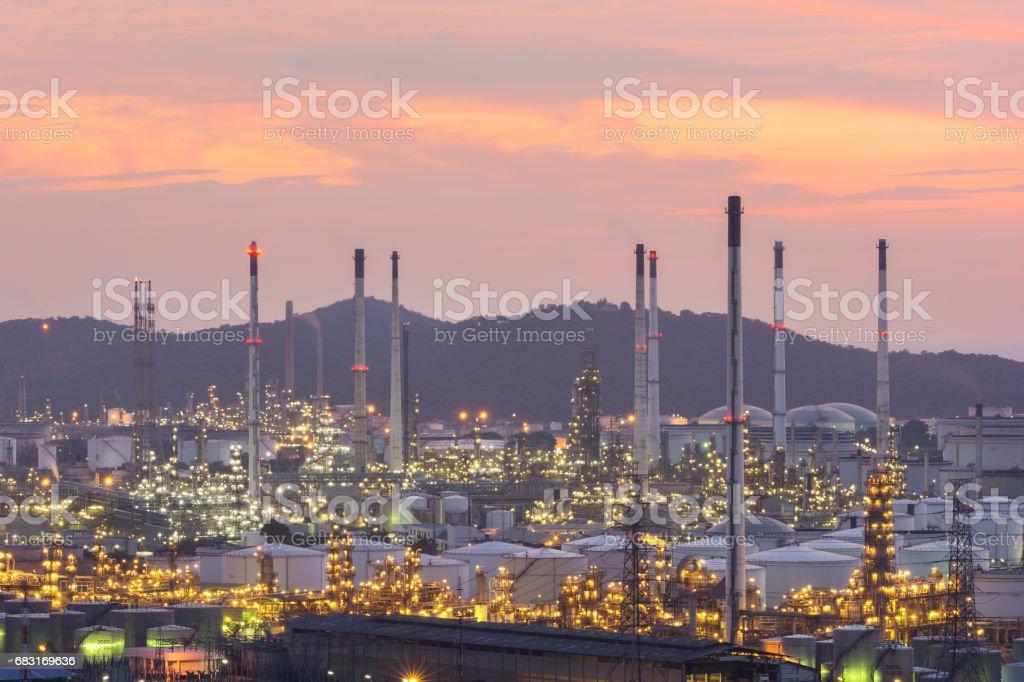 工業電廠油站夜 免版稅 stock photo