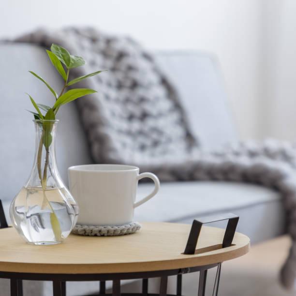 industrial side table - coffee table imagens e fotografias de stock