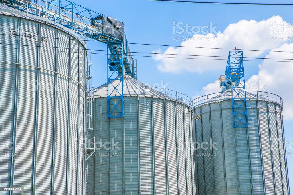 Industriella Visa på olja raffinaderiet växt form industrin zone royaltyfri bildbanksbilder