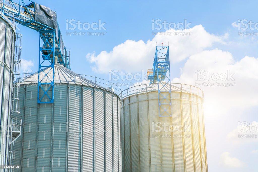 Standpunt van de industrie op olie raffinaderij plant vorm industrie zone royalty free stockfoto