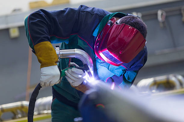 Industrie Arbeiter Schweißen in der Fabrik aus Metall. – Foto