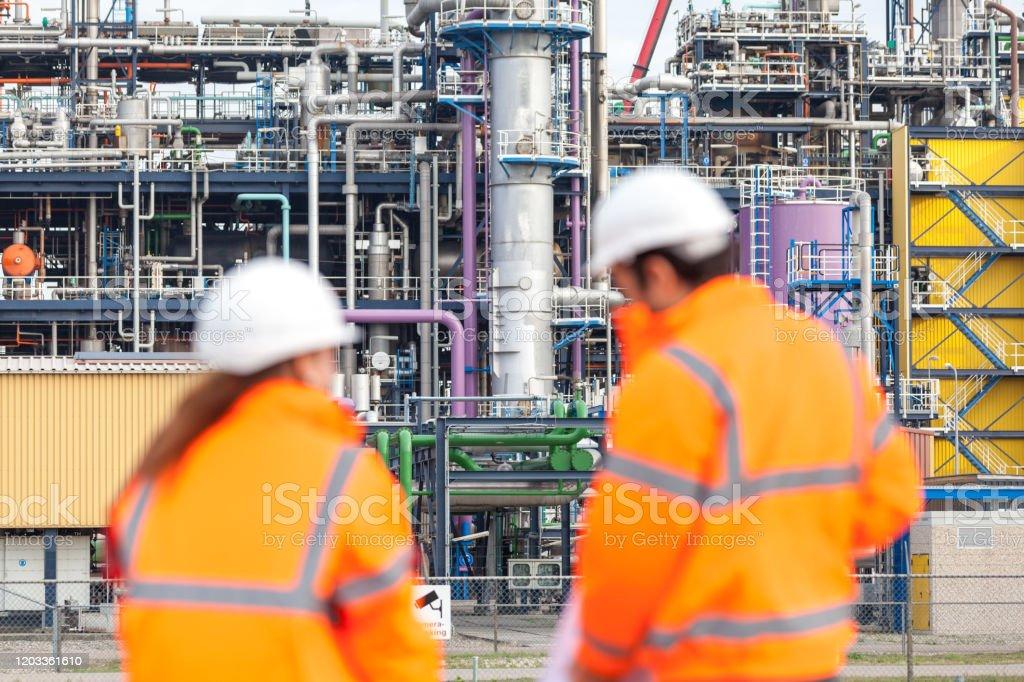 Werknemers in de industrie - Royalty-free Alleen volwassenen Stockfoto