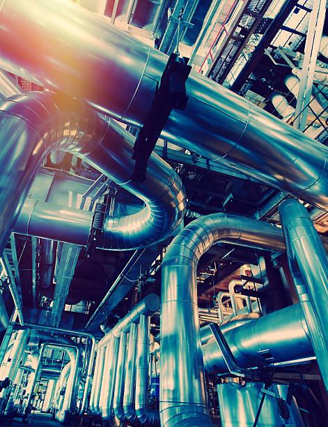 Industrial zone, Stahl pipelines, Ventile und Zopfmuster  – Foto