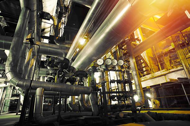 Industrial zone, Stahl pipelines, Ventile, Messuhren – Foto