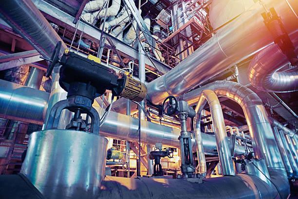industrial zone, stahl pipelines, ventile und absatz  - luftventil stock-fotos und bilder