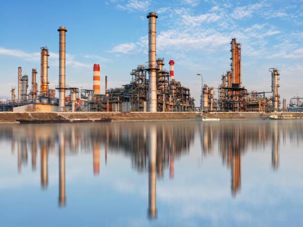 industry, factory - oil refinery - gaskamin stock-fotos und bilder