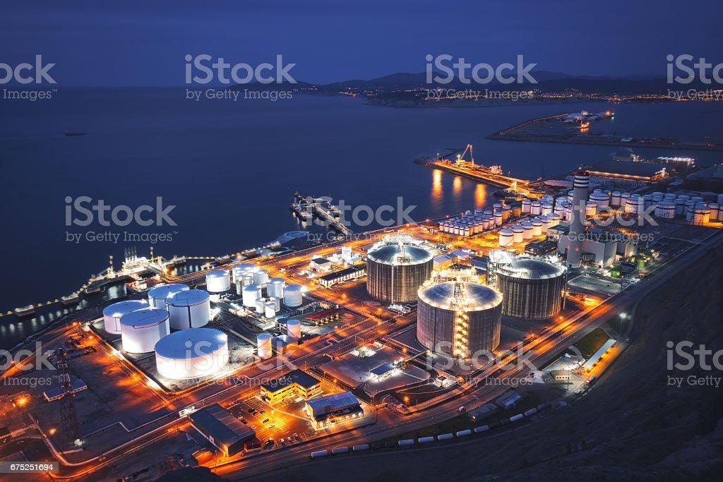 industry in Bilbao near the sea - foto de stock