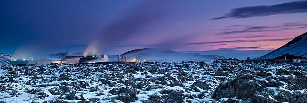 Industry thermal power plan  nera to Blue Lagoon, Iceland whakarewarewa stock pictures, royalty-free photos & images