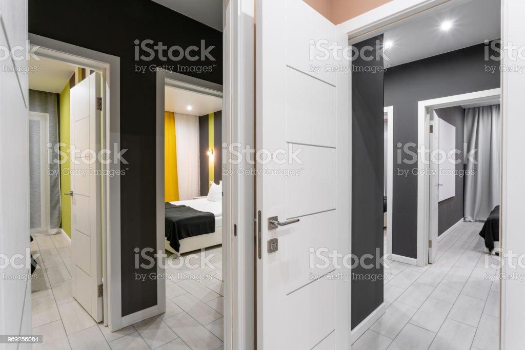Preiswerte Familienzimmer Hotel Standart Vier Schlafzimmer Einfache ...