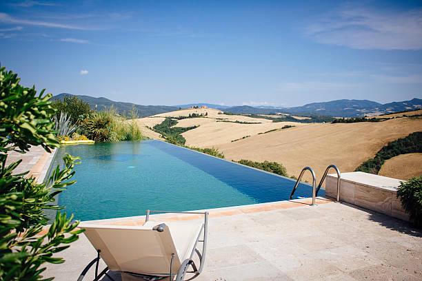 infinity pool outdoors, italy. - ferienhaus toskana stock-fotos und bilder