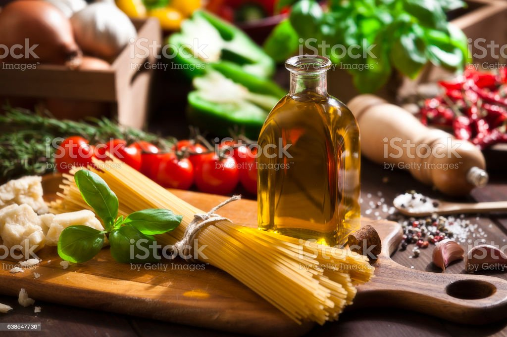 Ingredient for cooking italian spaguetti - Royalty-free Ahşap Stok görsel