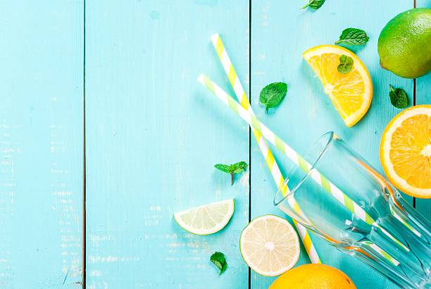ingredients for citrus juice or cocktail - partylabels stock-fotos und bilder